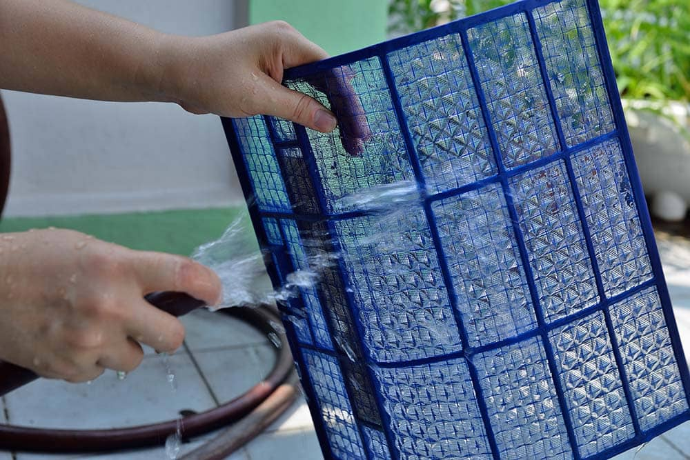cleaning of air conditioning filter